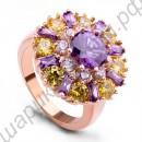 Вдохновляющее позолоченное кольцо со множеством жёлтых, фиолетовых и белых фианитов