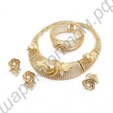 Гарнитур (кольцо, серьги, браслет и ожерелье) с цветочками