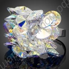 Поражающее воображение кольцо с плоскими фианитами, покрытое платиной