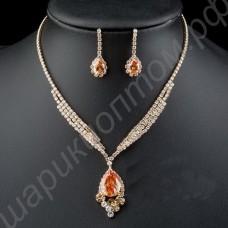 Восхитительный позолоченный комплект украшений (ожерелье и серьги) с фианитами тёмно-жёлтого цвета