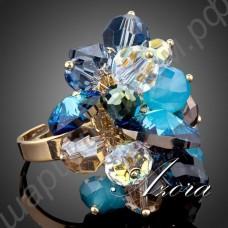 Дивное кольцо с разноцветными кристаллами с преобладанием голубого цвета