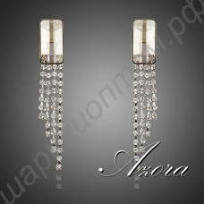 Привлекательные позолоченные серьги с прозрачным крупным камнем и висюльками из дорожек с камушками
