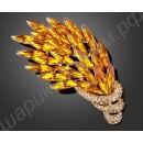 Сказочная брошь в виде позолоченных янтарных павлиньих перьев, усыпанных камнями