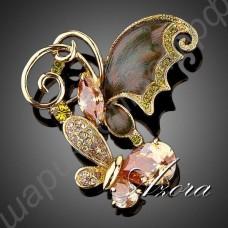 Красивая позолоченная брошь с двумя мотыльками, усыпанными камнями