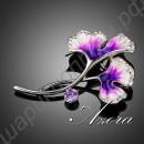 Обворожительнейшая брошка в виде цветочка с россыпью камней и листиком-камушком