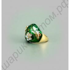 Зелёное кольцо, покрытое эмалью, с позолотой и фианитами
