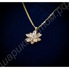 Подвеска в виде десятиконечной звезды с крупными кристаллами сваровски, с цепочкой, покрытая золотом