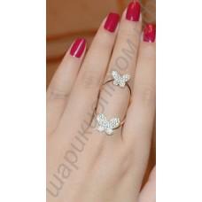 Умопомрачительно модное позолоченное кольцо с бабочками, усыпанными мелкими фианитами