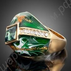 Зелёное кольцо с австрийским зелёным кристаллом и дорожкой из фианитов, покрытое золотом