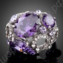 Кольцо с платиновым покрытием с крупными пурпурными фианитами