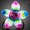 Кольцо эмалированное в виде цветка с крупным австрийским кристаллом посередине