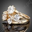 Изящное позолоченное кольцо с прозрачными фианитами разного диаметра