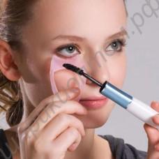 Приспособление для покраски ресниц и защиты глаз и век от туши